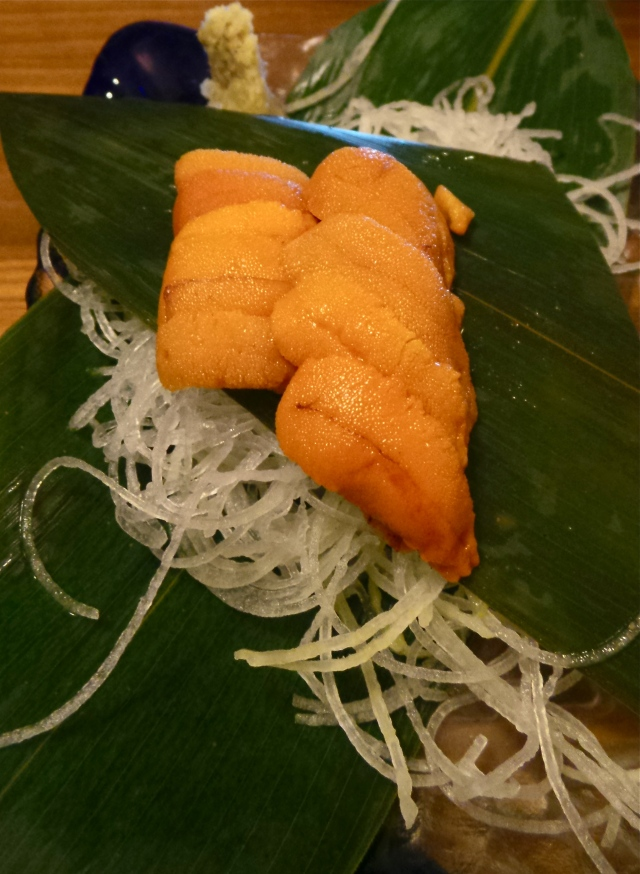 Super fresh uni sashimi